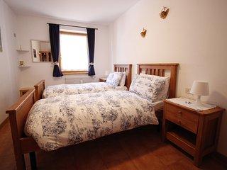 La camera con due letti singoli