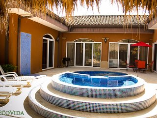 EcoVida Casa de los Suenos with Private Pool! Walk to the Beach!