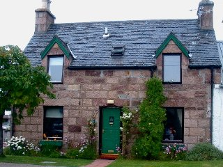 Ullapool Self Catering - Tigh na Reultan Holiday Cottage
