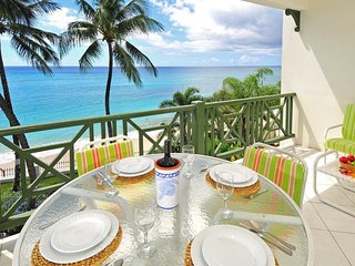 Leith Court 11 - Casual Beachfront Apartment