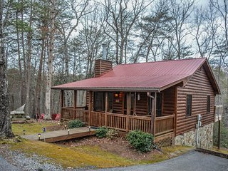 AMAZING GRACE - 2 BEDROOM / 1 BATHROOM, LAKE ACCESS, HAMMOCK, HOT TUB,