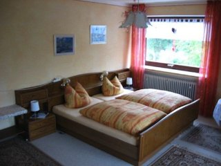 Vacation Apartment in Donauwörth - 1076 sqft, friendly, nice, convenient, Genderkingen
