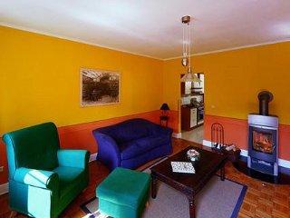 LLAG Luxury Vacation Apartment in Ediger - 646 sqft, historic, comfortable, woodburning stove (# 2069), Ediger-Eller