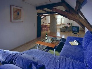 LLAG Luxury Vacation Apartment in Ediger - 915 sqft, historic, stylishly, Ediger-Eller
