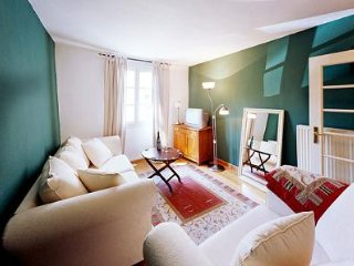 LLAG Luxury Vacation Apartment in Ediger - 560 sqft, historic, comfortable, Ediger-Eller