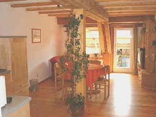 LLAG Luxury Vacation Apartment in Ravensburg - 689 sqft, located on a spacious farm - fun for the whole…