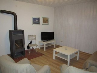 Vacation Apartment in Wolnzach - 753 sqft, spacious, convenient, idyllic