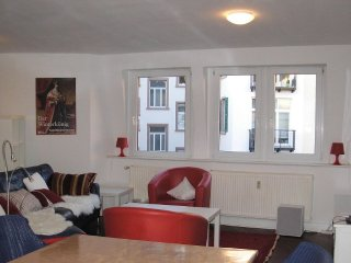 Vacation Apartment in Heidelberg - 1227 sqft, convenient, fully furnished
