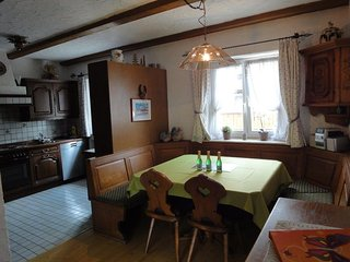 Vacation Apartment in Garmisch-Partenkirchen - 1291 sqft, furnished stylishly