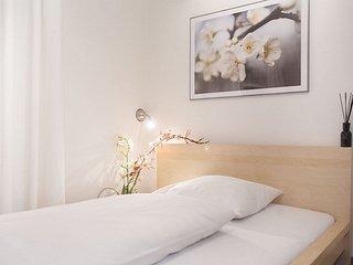 Single Room in Munich - 172 sqft, hotel service, great location, modern, Eichenau