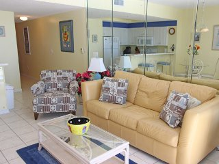 Gulf view condo!! Indoor/outdoor pool, fitness, hottub, and only steps to beach!