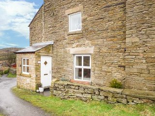 TERRACE COTTAGE, all ground floor, woodburning stove, walks from the door, in St