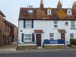 1 HOPE COTTAGES end-terrace, village location, walking distance to beach, shop, St Helens