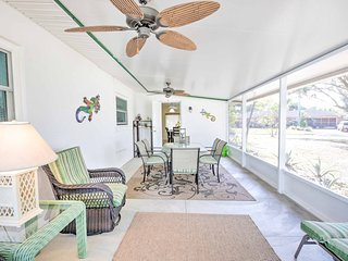 Chic Sarasota Home w/Patio - Mins From Siesta Key!
