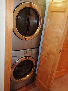 washer and dryer in unit-