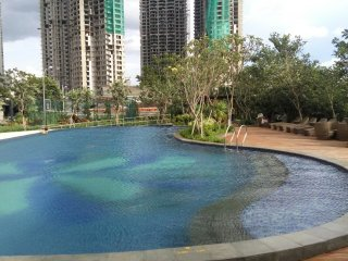 Sunny furnished 2BR apartment