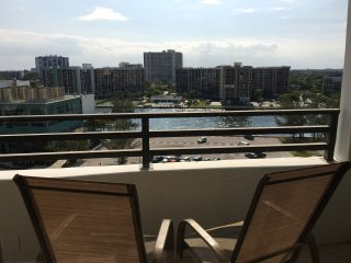 Luxury Waterfront 1 Bed on the Beach in Hollywood