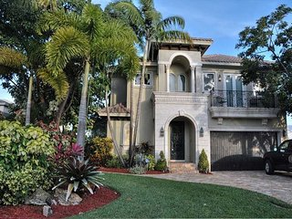 Spectacular Updated Home only steps from the beach, nightlife, and dining, Deerfield Beach