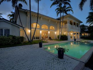 Spectacular Las Olas Isles Waterfront Home Heated Pool/Jacuzzi
