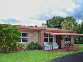 Charming 4 bedroom, 2 bathroom Villa in South Fort Lauderdale