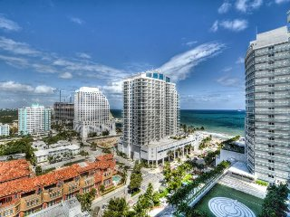 16th Floor 2 Bedroom + Den Corner Suite Ocean/Beach/Intracoastal Views
