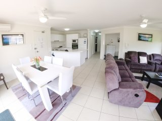 Three Bedroom apartment in Currumbin minutes from the beach - 4