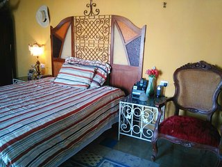 CASA DE PIEDRA- Private room for 3 traveles !!!, Merida