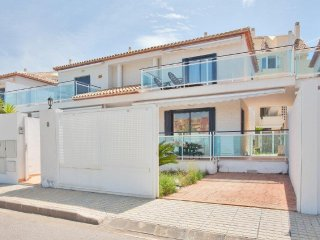 BEACHFRONT SEMI-DETACHED HOUSE WITH SEA VIEWS. WIFI. REF: JARDINES DE DENIA 03