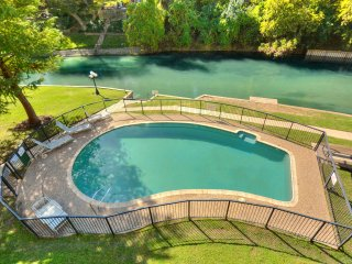 Jewel on the Comal River - 2 br/2 ba, access to large deck and swimming pool