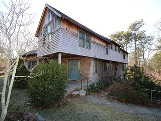 Beautiful Main & Guest house short walk to Lagoon Pond, Oak Bluffs