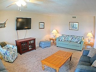 2201 Topsail Dunes - 3BR Oceanfront Condo in North Topsail Beach with Community