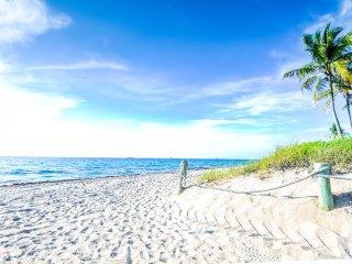 Coco Palm Escape: Walk to Ocean