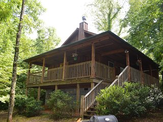 A Time for Two Romantic Cabin