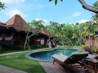 Villa Hening Bali, Kemenuh