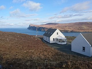 Waterfall View. Quiet location with great views. Near to Neist Point light house