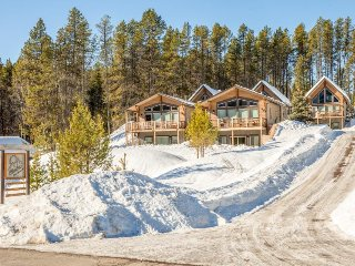 Natural beauty & modern comforts abound right near Glacier National Park!