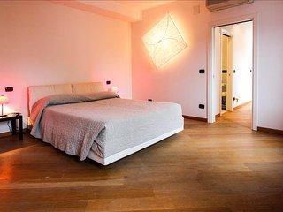 Gioachin - Modern and bright apartment in the popular Castello area, Venecia