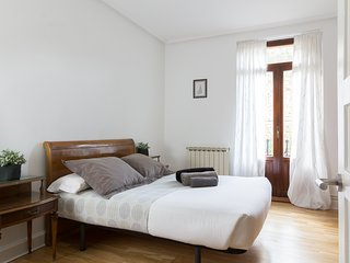 EASO::Apartment in the center, next to La Concha - ESS-00751