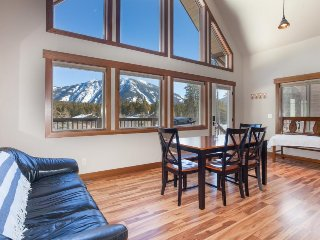 Comfortable chalet near Glacier Nat'l Park w/ mountain views & spacious deck!, West Glacier
