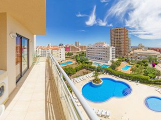 2 Bedroom Apartment, Swimming-pool, 5min walk from to the beach