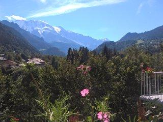 Face à la chaine du Mont-Blanc, idéalement situé et calme pour des vacances zens, Saint-Gervais-les-Bains