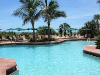 Marco Island Beachfront Condo          Desirable Easter Week
