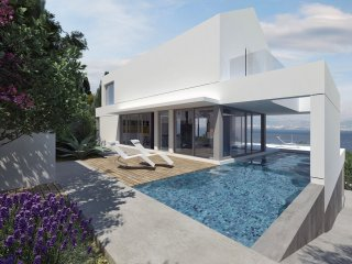 Luxury 5* villa with a pool and sea views only 100m from the beach
