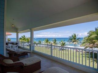 3 Bedroom Beachfront Penthouse, Cabarete