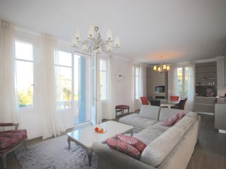Amazing, recently renovated 3 bedroom apartment near the beach on Cap d'Antibes