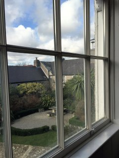 3 metre high sash windows allow light into the apartment even on a cloudy day!