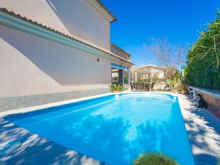 ES REPOS DEN BALTI - Mediterranean villa with pool in Playa de Muro for 6 guests