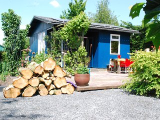 BnBassistant I Cottage in country at waterfront