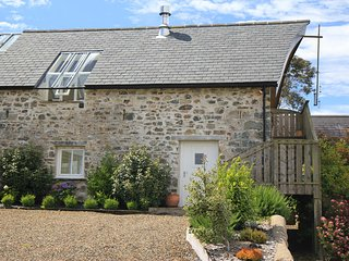 The Stable, Cilgelynen. An idyllic cottage with Swedish Sauna & Jacuzzi Bath, Fishguard