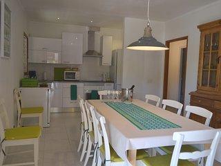Villa Vora,5 dormitorios, gran jardin y piscina